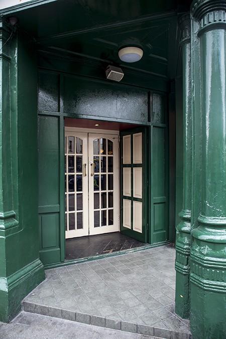 Glynn's Wellington House, Dublin